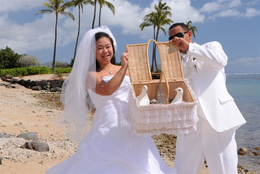 Top 10 Wedding Traditions From Around The World